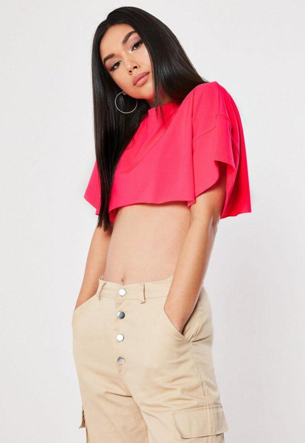 Модные футболки весна-лето 2019: розовая топ