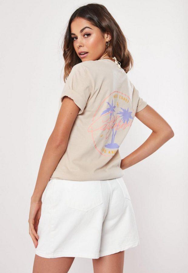 Модные футболки весна-лето 2019: кремовая с пальмой