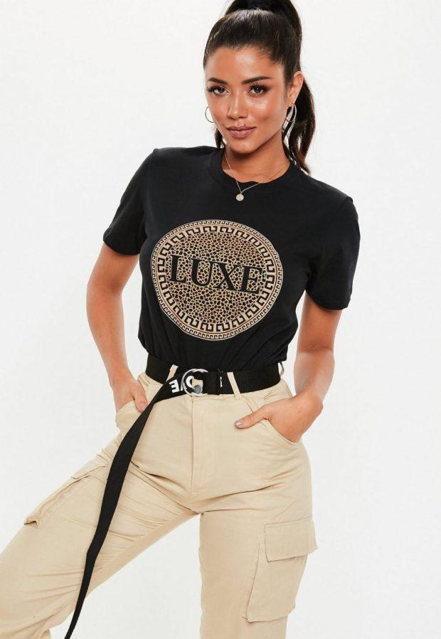 Модные футболки весна-лето 2019: черная рисунок luxe