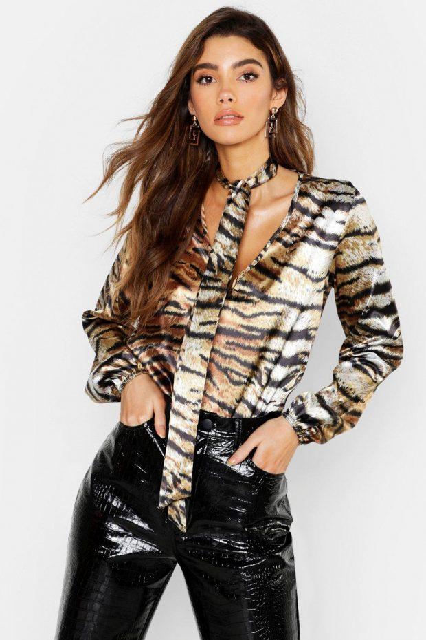 Блузки осень зима 2019-2020: леопардовая с галстуком