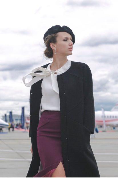 блузки осень зима 2019-2020: с бантом белая под юбку