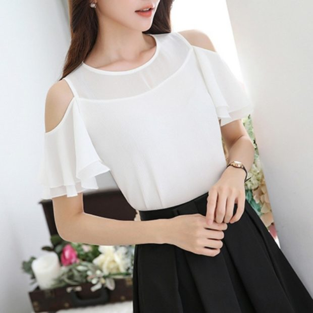 блузки осень зима 2019-2020: белая с коротким рукавом