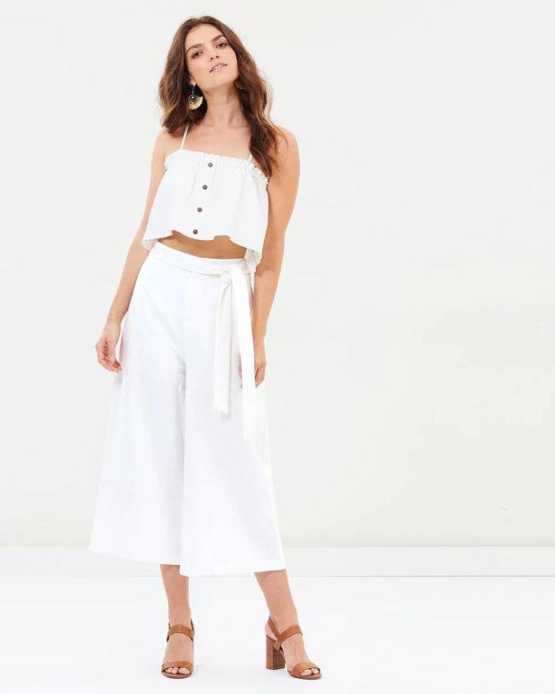 женские брюки: белые широкие