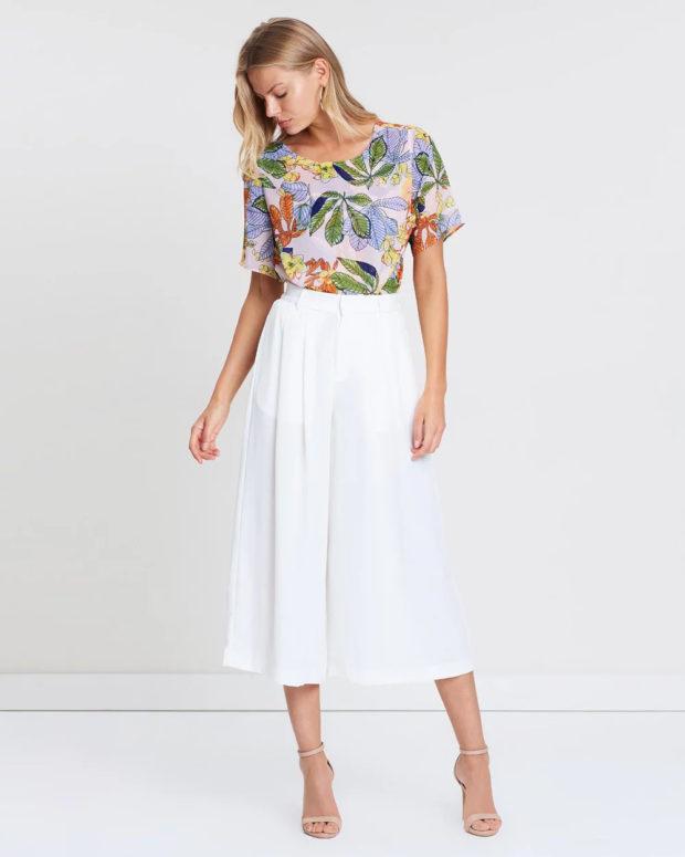модные женские брюки: белые как юбка