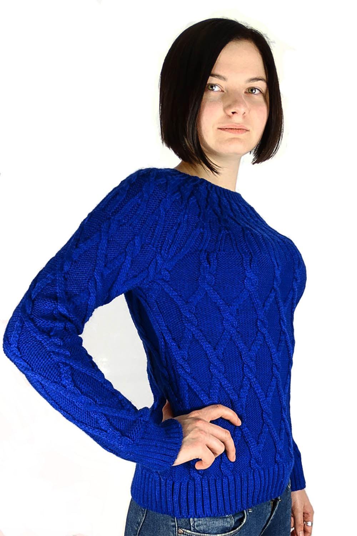 с чем сочетается синий цвет: кофта лазурного цвета