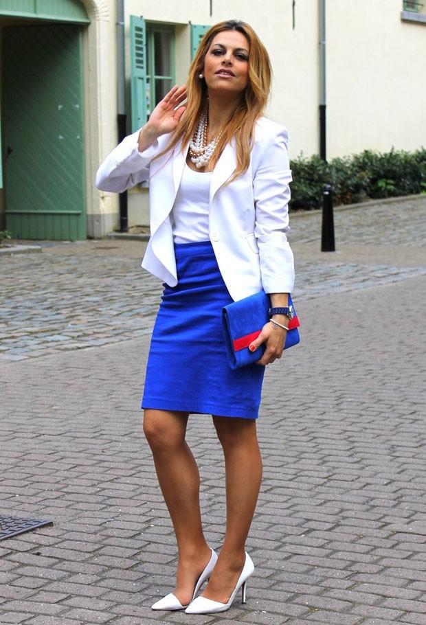 с чем сочетается синий цвет с белым под блузку и жакет