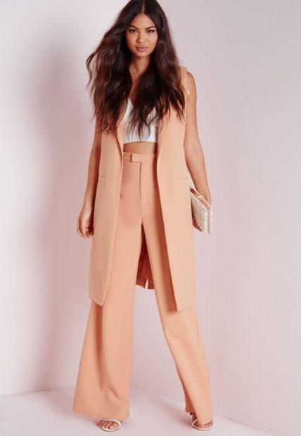 с чем носить жилет удлиненный персиковая без рукавов фото