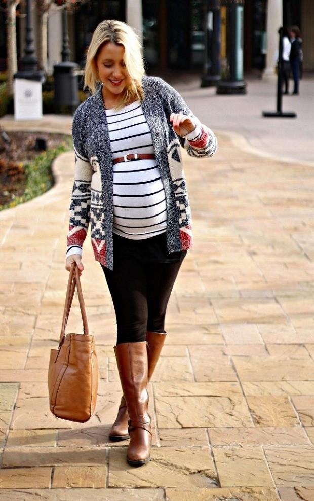 Модная одежда для беременных: полосатая кофта