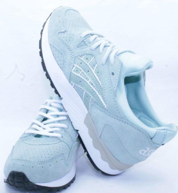 кроссовки Asics светло голубые