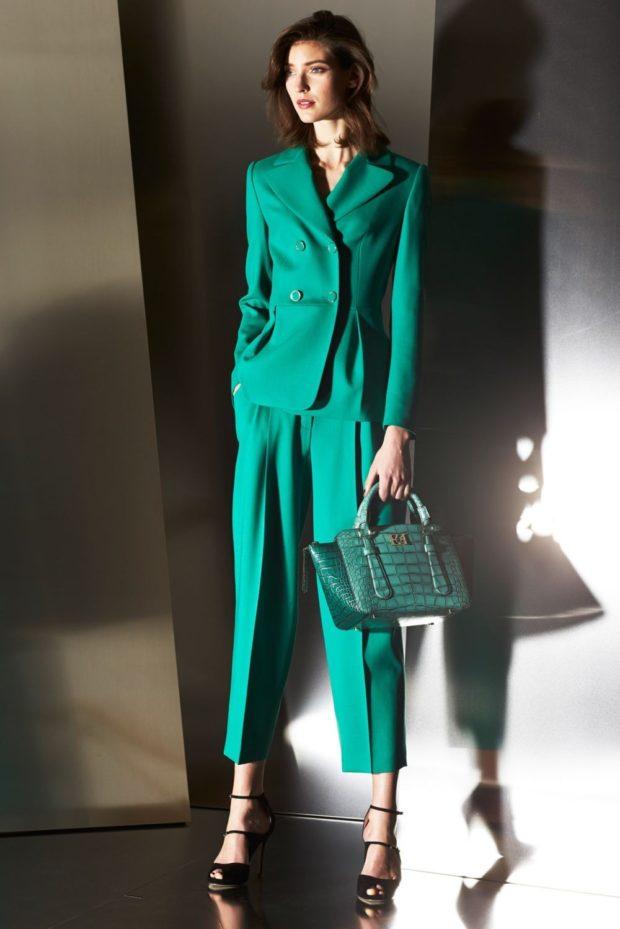 модные луки 2018-2019: брюки зеленые