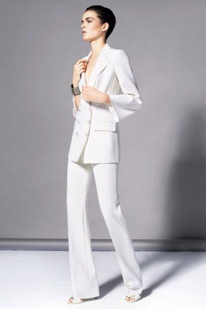 модные луки 2018 2019: брючный костюм белый