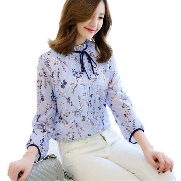 модные блузки из шифона 2018 с длинным рукавом голубая с принтом