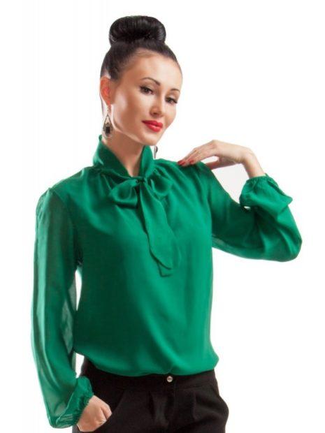 модные блузки из шифона 2018 зеленая с бантом