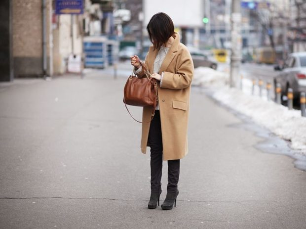 стильные цвета осень зима 2018 2019 пальто бежевое