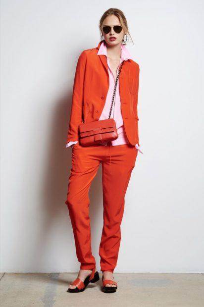 модные костюмы 2018 брючный красный