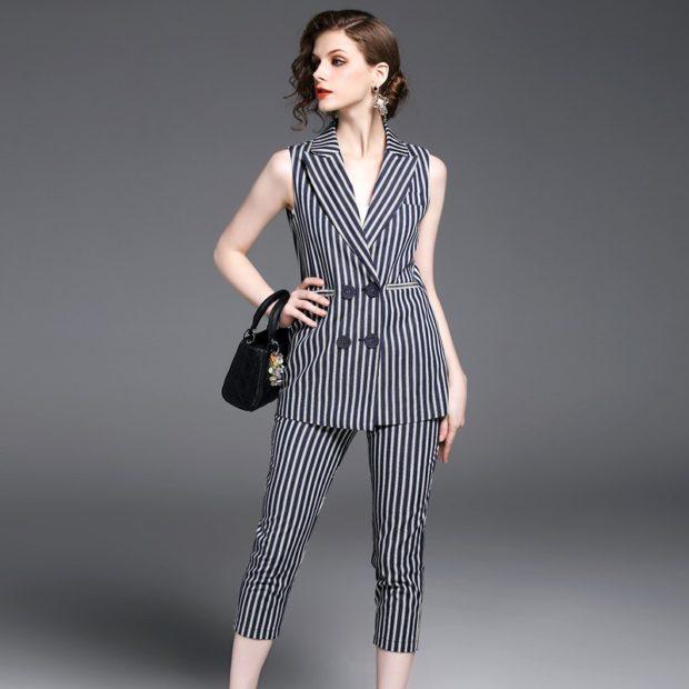 модные костюмы 2018 серный в полоску без рукава