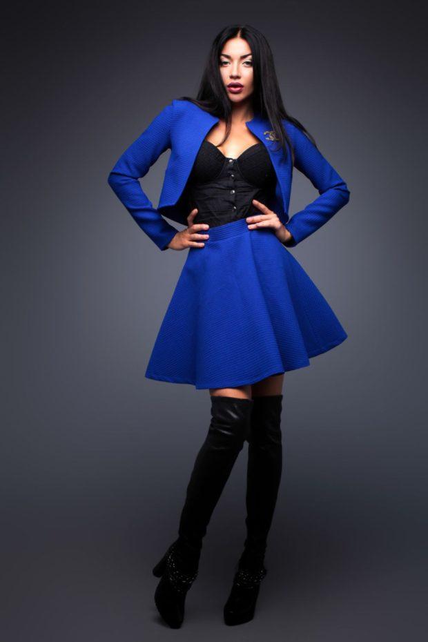 модные костюмы 2019-2020 синий пышная юбка короткий пиджак