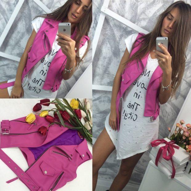 модные косухи 2019 2020 жилетка розовая