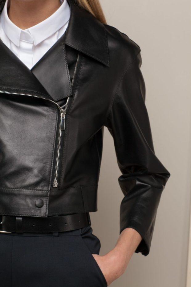 модные косухи 2019 2020 черная короткая кожаная
