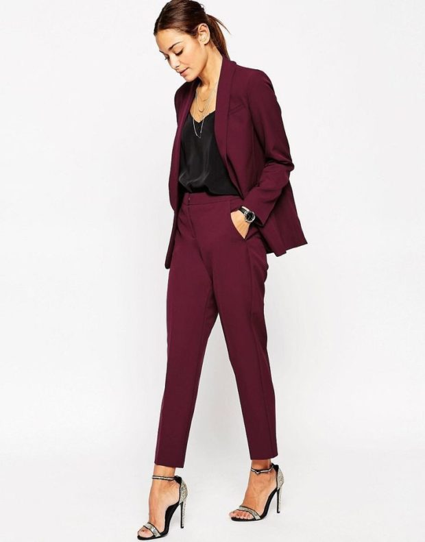 модные образы на 1 сентября 2019 брючный костюм бордо