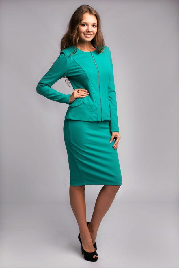 модный образ 1 сентября 2019 костюм с юбкой зеленый по фигуре