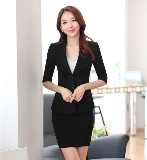 модный образ 1 сентября 2019 костюм с юбкой черный по фигуре