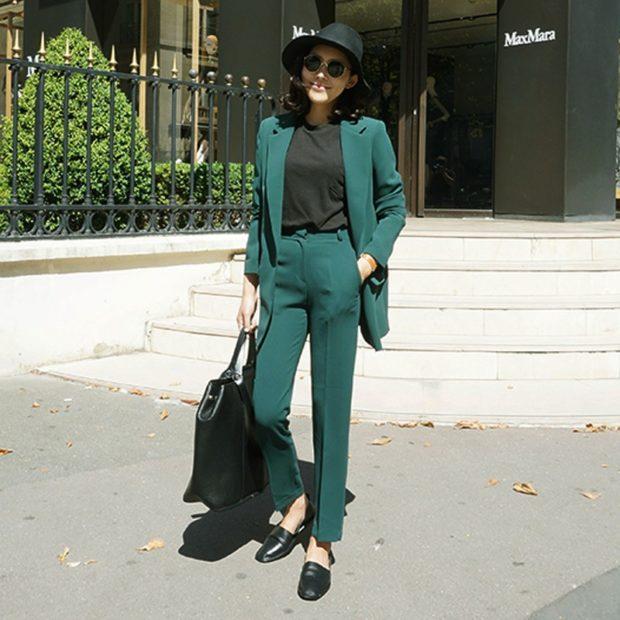 модные образы на 1 сентября 2018 костюм зеленый брючный