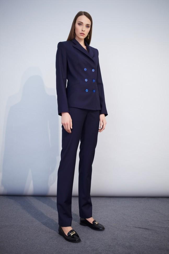 модные образы на 1 сентября 2018 брючный костюм синий