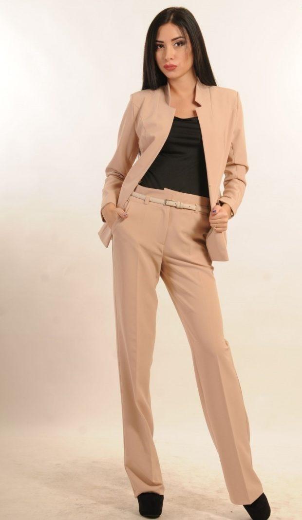 модные образы на 1 сентября 2019 брючный костюм светлый