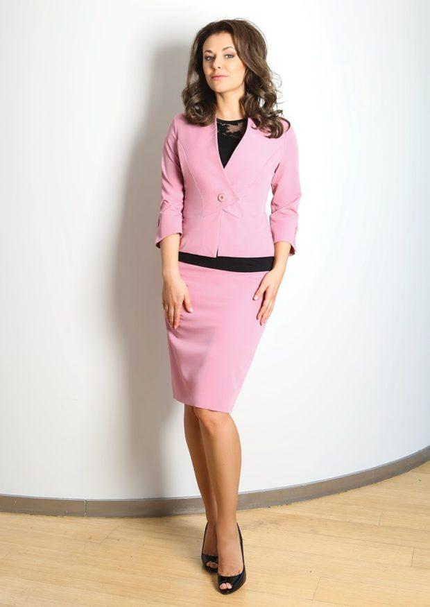 модные образы на 1 сентября 2019 юбочный костюм розовый