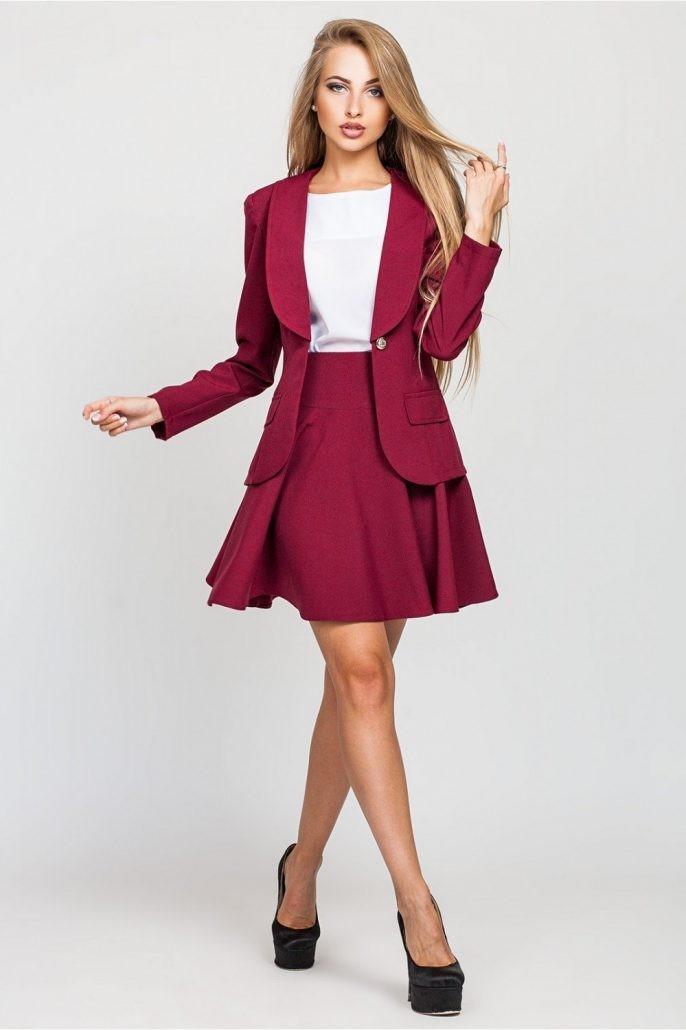 модные образы на 1 сентября 2019 юбочный костюм малиновый