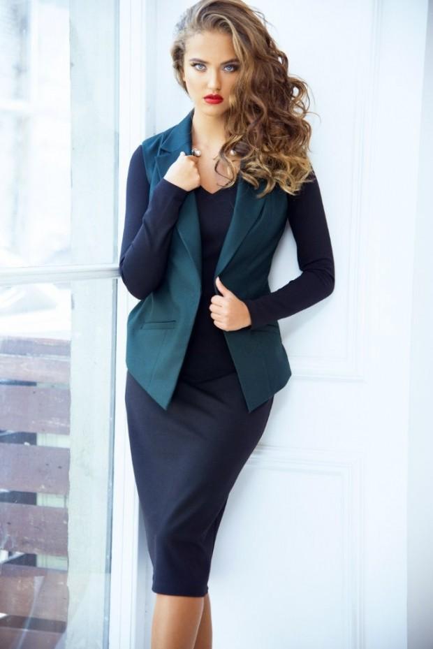 модные образы на 1 сентября 2019 юбочный комплект темно-синего цвета