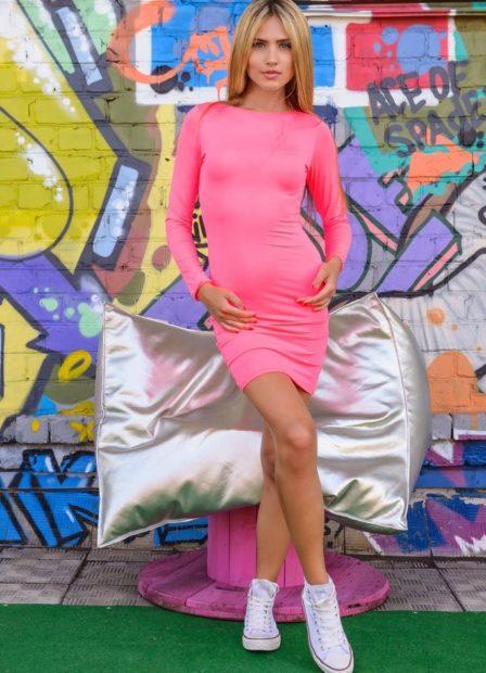 модные платья на каждый день 2018 розовое в обтяжку