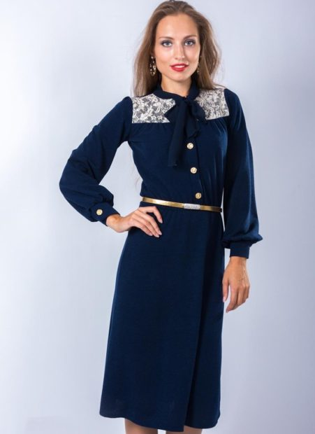 модные платья на каждый день 2018 синее с погонами