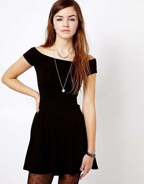 модные платья на каждый день 2018 черное приталенное без плеч