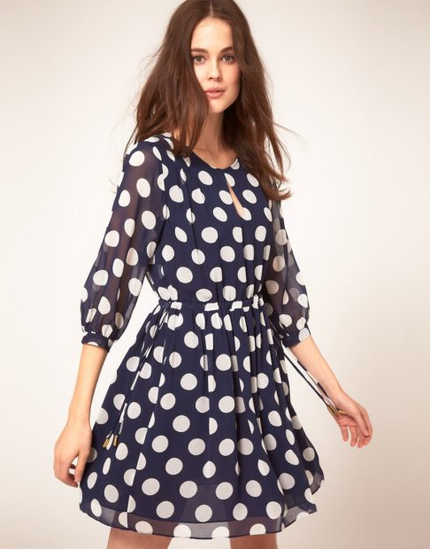 модные платья на каждый день 2018 в горох крупный с рукавом