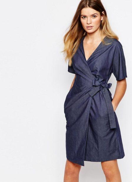 модные платья на каждый день 2018 с запахом синее с поясом