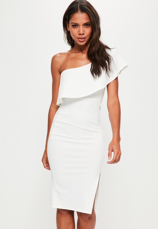 модные платья на каждый день 2018 белое в обтяжку с воланами