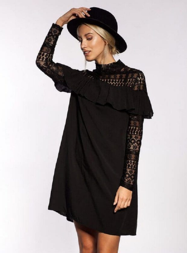 модные летние платья на каждый день: черное с длинным рукавом свободный крой
