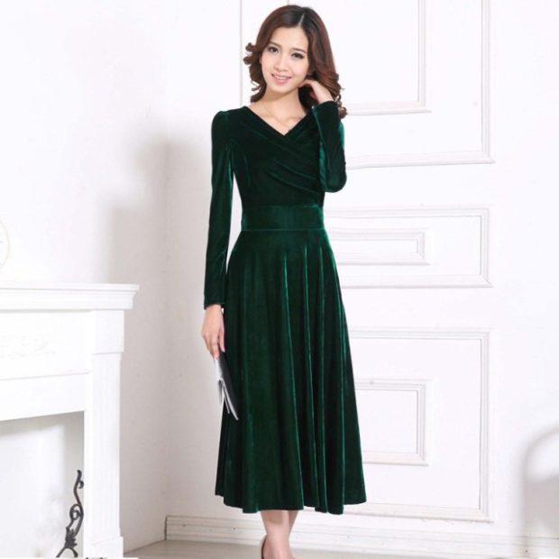 модные платья на каждый день 2018 зеленое бархатное