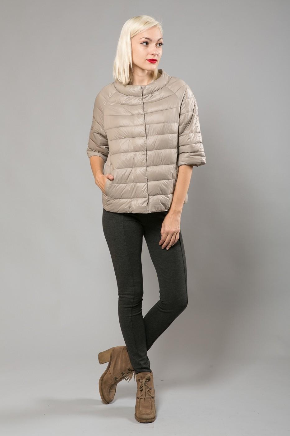 модные пуховики осень зима 2018 2019: куртка с короткими рукавами серая стеганая