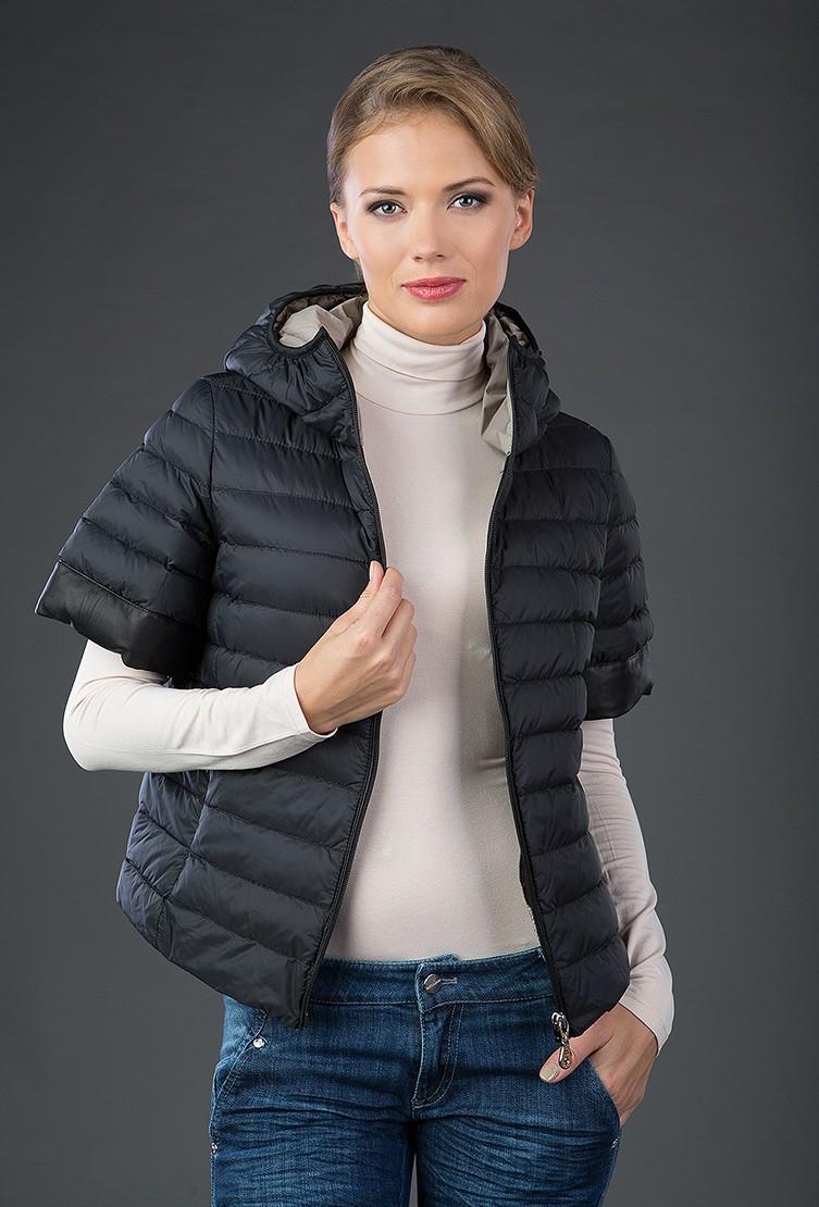 модные пуховики осень зима 2018 2019: куртка с короткими рукавами черная стеганая