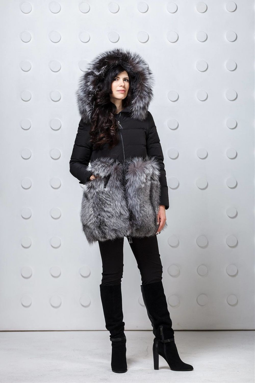модные пуховики осень зима 2018 2019: куртка черная с серым мехом
