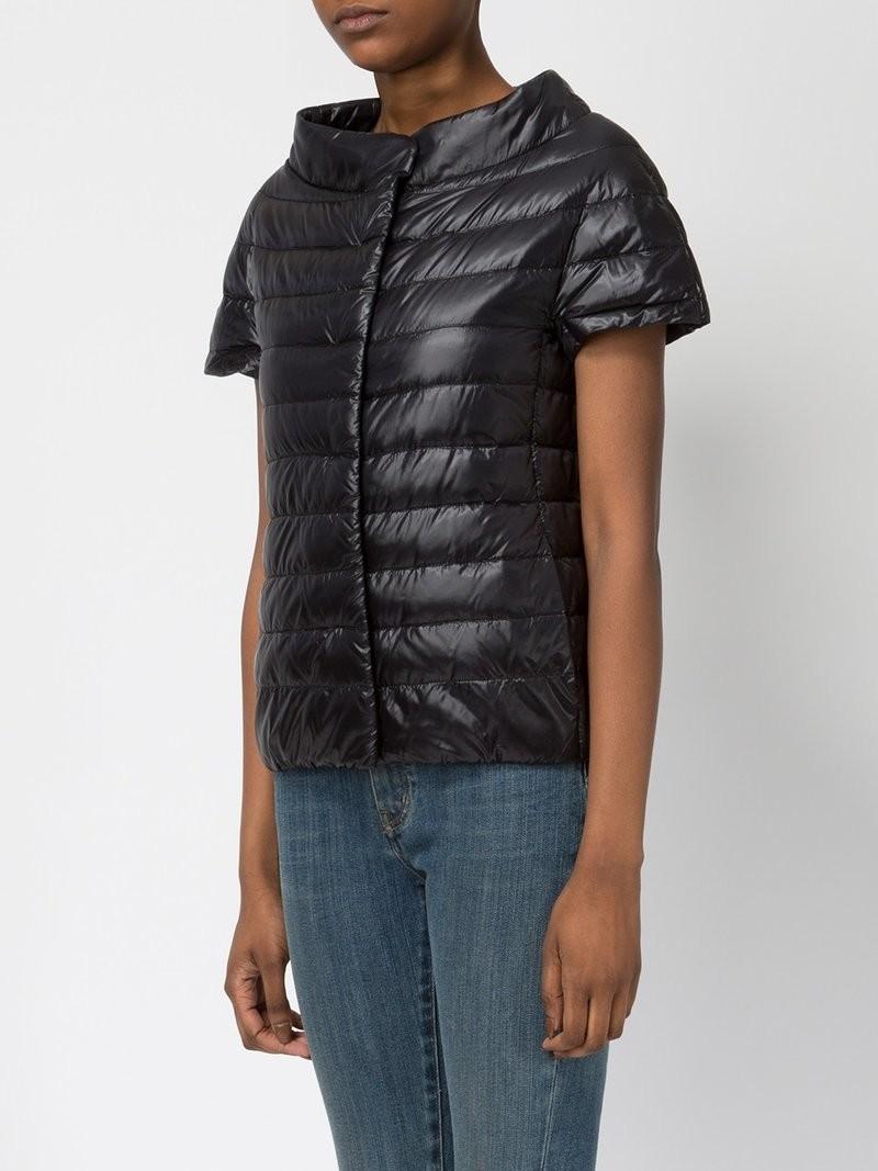 модные пуховики осень зима 2018 2019: куртка короткая стеганая с короткими рукавами