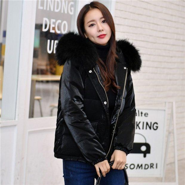куртка черная с меховым капюшоном