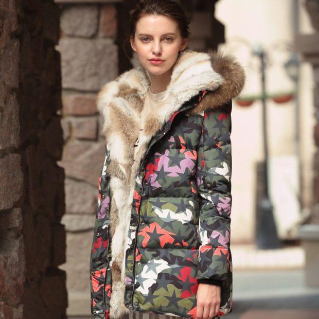 модные пуховики осень зима 2019-2020: куртка стеганая в звезды