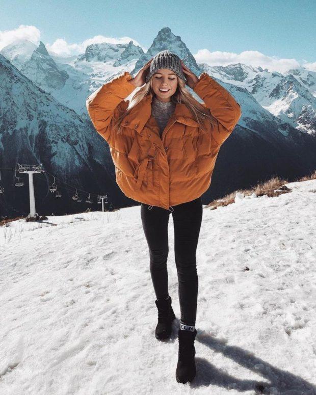 модные пуховики осень зима 2019-2020: куртка оверсайз коричневая короткая