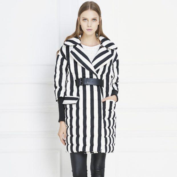 модные пуховики осень зима 2019-2020 полоска черная с белым