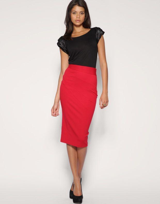 модный сет: юбка карандаш красная