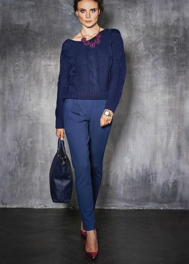 модные сеты 2019-2020: синие брюки кофта в тон